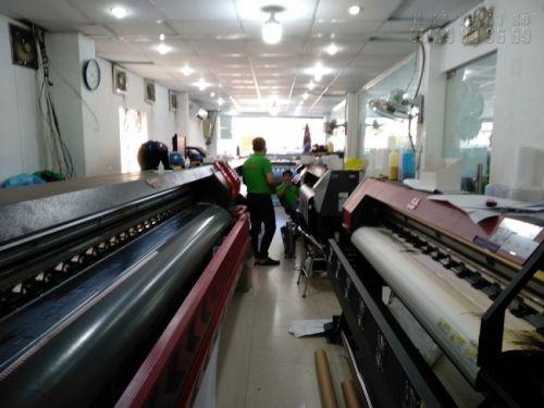 Dàn máy in mực dầu khổ lớn chuyên in backlit film ngoài trời - in backlit film giá rẻ tại In Kỹ Thuật Số