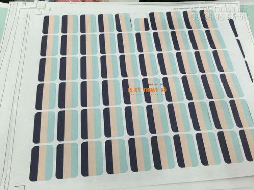 In decal giấy hình chữ nhật nhỏ bo tròn bốn góc - bế chính xác theo đường viền - dễ dàng bóc dán