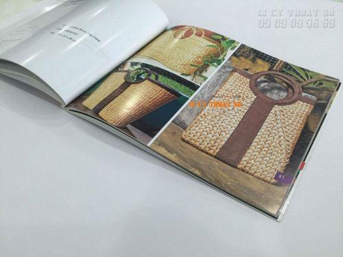 Ấn phẩm in catalogue gia công phần gáy với đóng keo - cuốn catalogue dày, nhiều trang