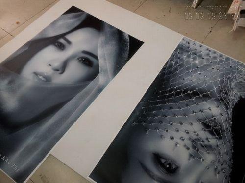 In tranh phẳng đen trắng nghệ thuật từ in PP