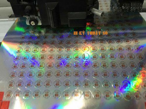Máy bế tem dán nhân bánh Trung Thu Handmade vận hành bởi In Kỹ Thuật Số
