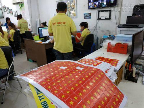 In Kỹ Thuật Số nhận in miếng dán má hình cờ Việt Nam - có in sẵn, lấy hàng ngay