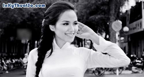 Hoa hậu Diễm Hương dịu dàng trong tà áo dài trắng, 330, Canhle, InKyThuatso.com, 16/04/2013 14:54:06