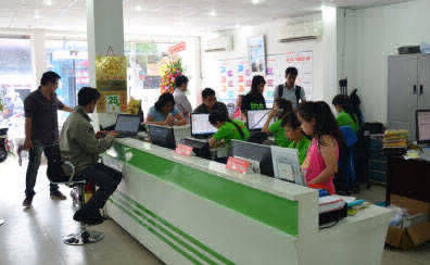 Không gian công ty in rộng rãi, nhân viên thân thiện đem lại sự thoải mái cho khách hàng đến in