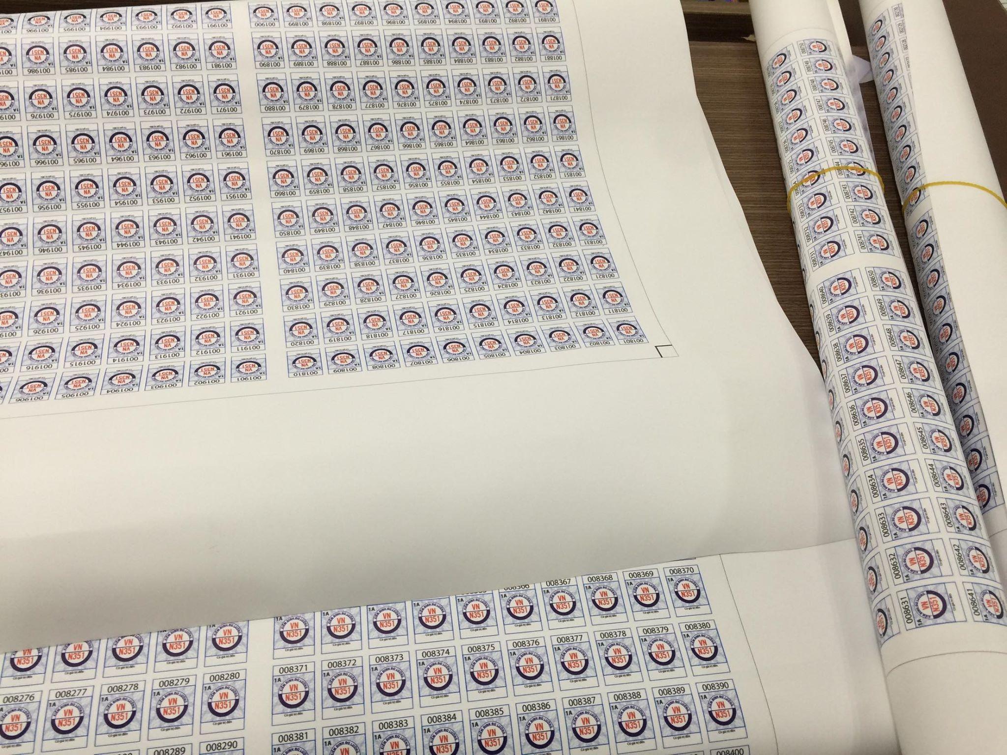 Decal thường được sử dụng làm cái sản phẩm tem dán trên chai, lọ, hộp.