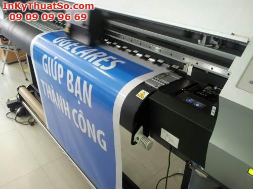 In decal sữa trên máy in mực dầu Mimaki từ Công ty In Kỹ Thuật Số - Digital Printing