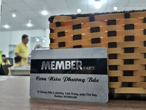 mẫu thẻ nhựa sang trọng