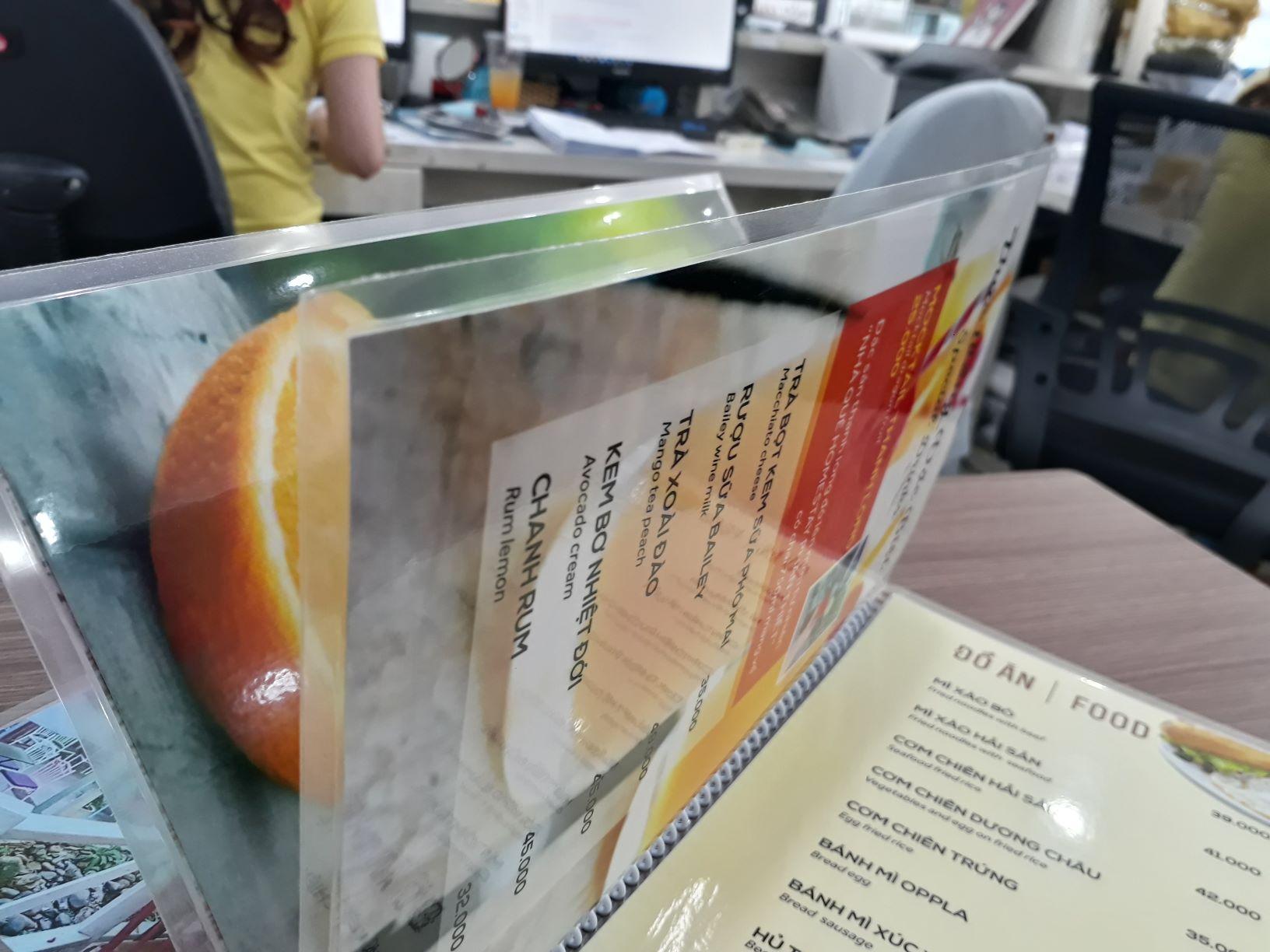 Làm menu ép plastic giúp bảo vệ giấy, chống thấm nước và tăng thời gian sử dụng