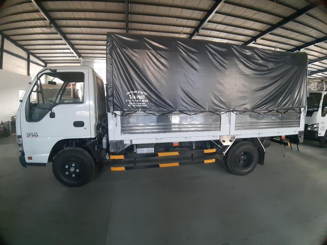 Đặc điểm của xe tải Isuzu 2t4 (2)