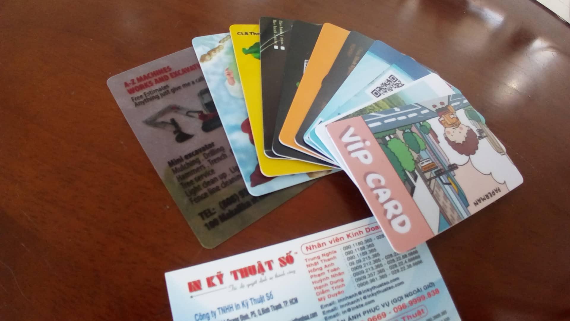 Thẻ nhựa làm thẻ khách