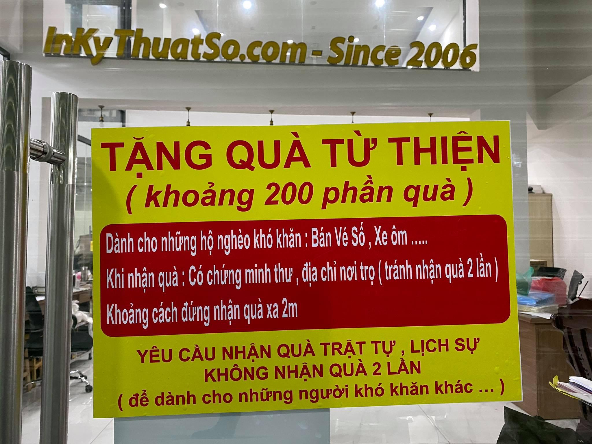 In banner dán kính thông báo tặng quà từ thiện tại tòa nhà MBN Tower - Công ty TNHH In Kỹ Thuật Số 365 Lê Quang Định, phường 5, Bình Thạnh, HCM